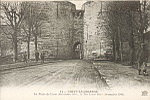 11 - COUCY-LE-Château. La Porte de Laon (décembre 1916). X The Laon Gate (december 1916).