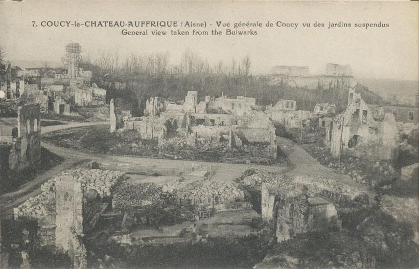 Coucy Le Chateau La Place Du March 233